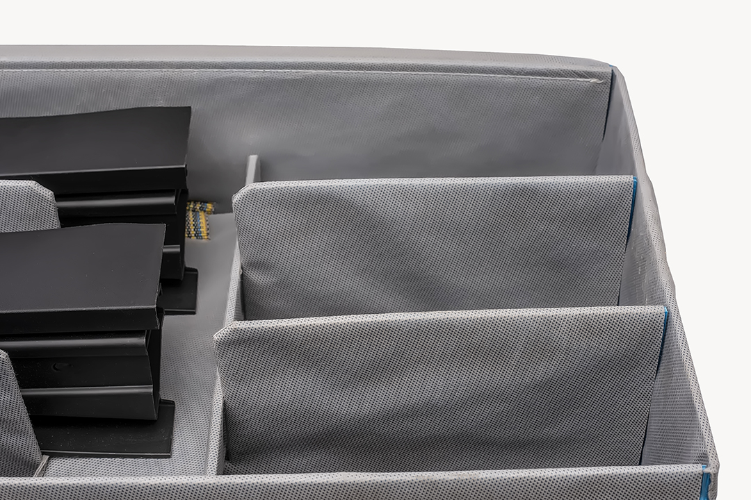 Textile dunnage for reusable box